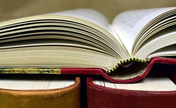 book-antiquariat-old-books-used-books