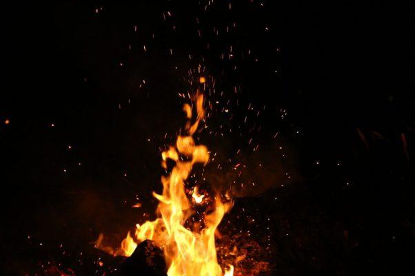 burning-dark-fire-110867-1140x760